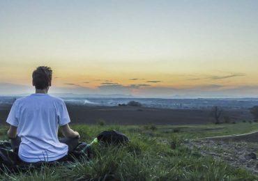 8 passos simples para se libertar da culpa usando a meditação