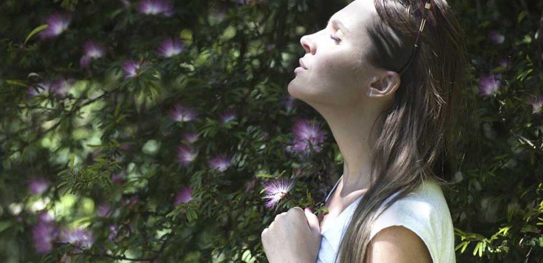 Como utilizar a meditação e a oração para dominar as suas emoções negativas